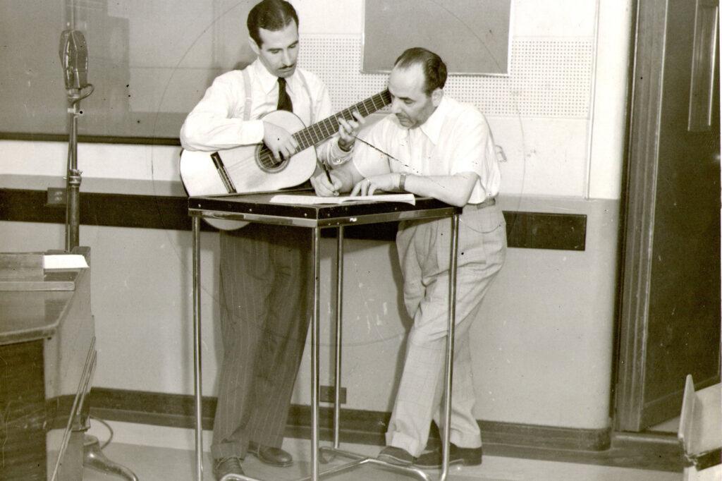 LR1 - Marsilio Robles y Vicente Spina, guitarristas, letristas y compositores. 1942
